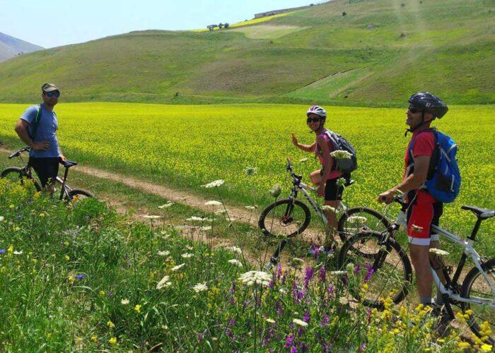 Bike tour dalle Marche a Castelluccio di Norcia