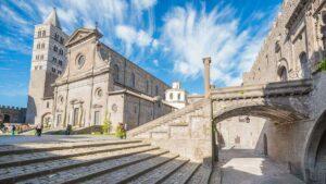 Viaggio organizzato a Viterbo
