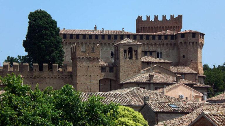 Visitare i Castelli delle Marche e la loro Storia