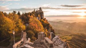 Castello di Montebello e San Marino shopping viaggi organizzati